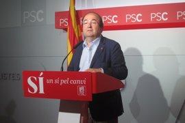 Iceta dice a PSOE-A que defiende el 'no' porque la abstención es dar una oposición débil
