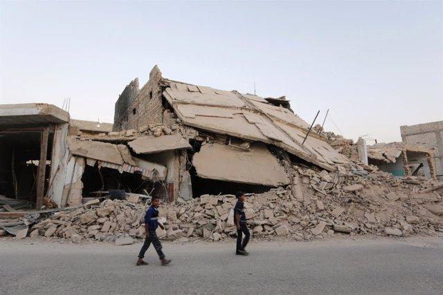 Edificio destruido por los combates en el este de Alepo
