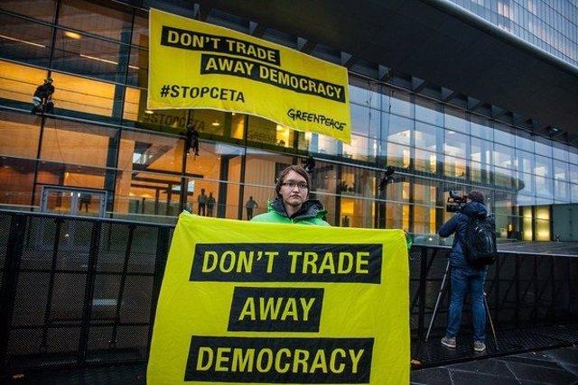 Pancarta de Greenpeace