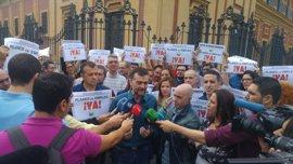"""Maíllo (IU): PSOE-A """"va a apuntalar al Gobierno de PP, el partido más corrupto de Europa"""""""