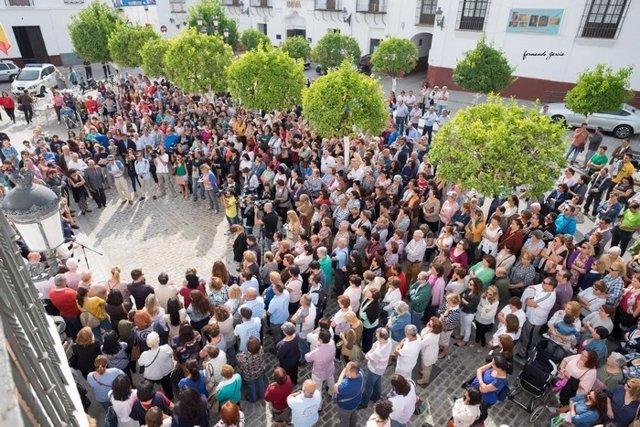 Concentración en Olivares por el último crimen machista.
