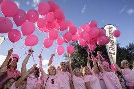 Una de cada cuatro mujeres cree, erróneamente, que la principal causa del cáncer de mama es la herencia genética