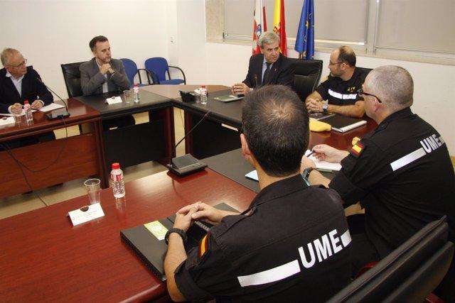 De la Sierra se reúne con el nuevo teniente coronel del Batallón de UME de León