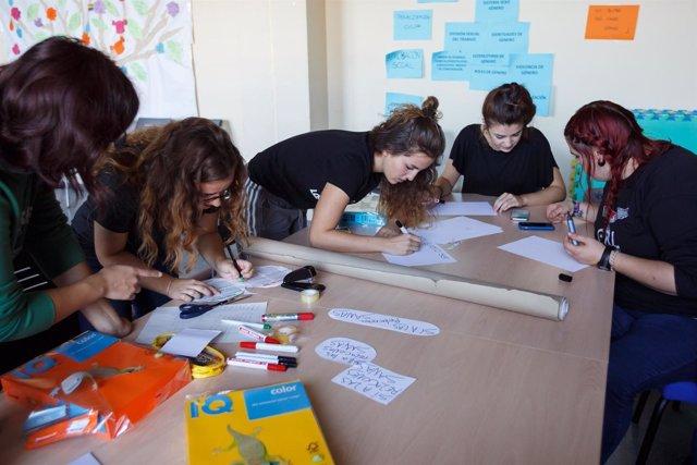 Integrantes de los grupos feministas de la UPNA.