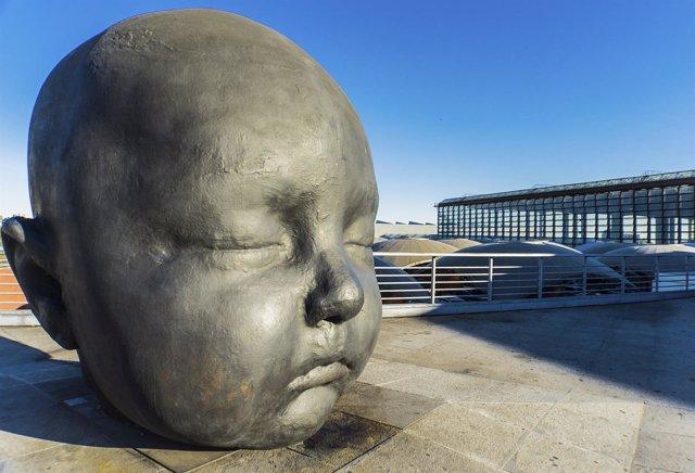 Cabeza de bebé en Atocha