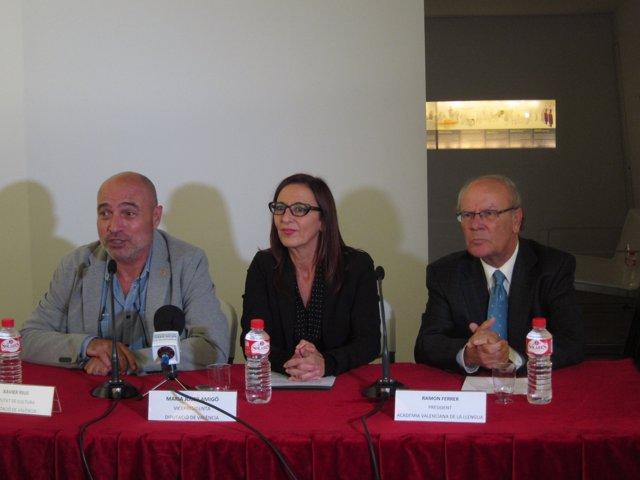Rius, Amigó y Ferrer en la firma del convenio del Museu de la Paraula
