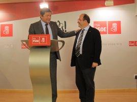 Iceta se reúne en Ferraz con Javier Fernández para hablar de la investidura de Rajoy