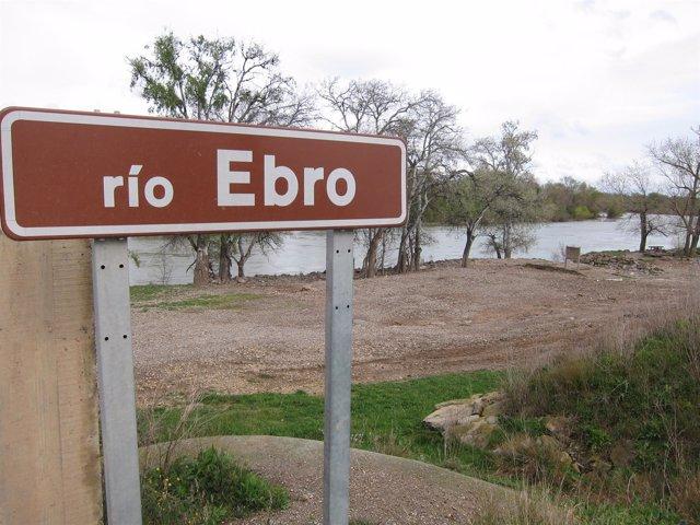 Río Ebro a su paso por Novillas