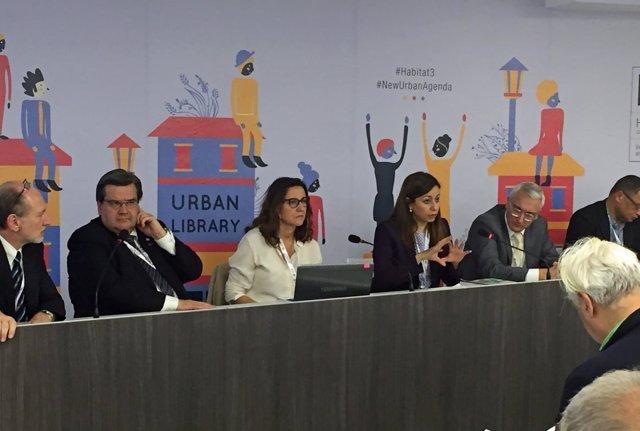 La presidenta de la Diputación de Barcelona, Mercè Conesa, en Quito