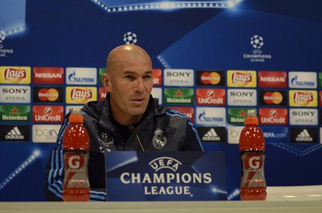 Zinedine Zidane en la rueda de prensa prechampions