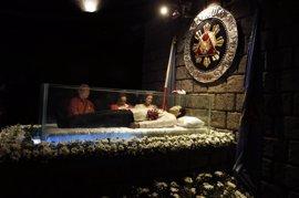 Filipinas vuelve a paralizar el entierro del exdictador Marcos en el cementerio de héroes