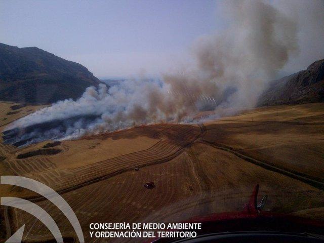 Incendio rastrojos antequera declarado paraje