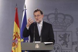 """Rajoy expresa su apoyo a las mujeres que luchan contra el cáncer de mama y avisa que """"la revisión es prevención"""""""