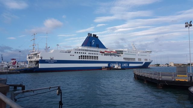 Cruise Esmeralda, de Grimaldi Lines