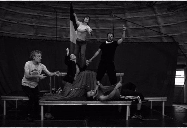 Els Joglars en un ensayo de Zenit