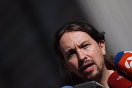 "Iglesias critica al PSOE por ""rasgarse las vestiduras"" por la protesta a Felipe González"