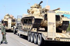 Dos militares y seis milicianos muertos en el norte del Sinaí, Egipto