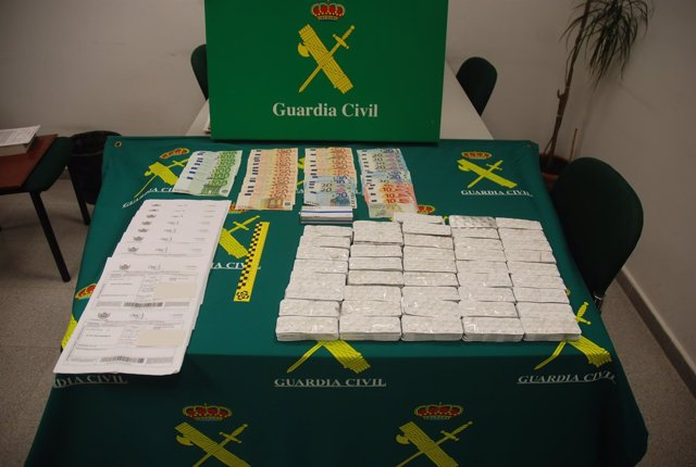 La Guardia Civil interviene 8.000 ansiolíticos en la AP-9.