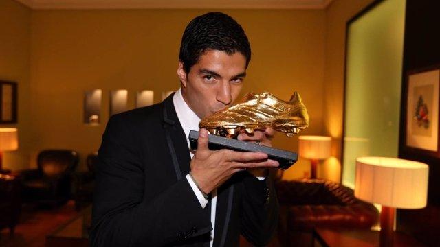 Luis Suárez con la Bota de Oro
