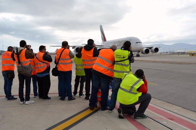 El Aeropuerto de Barcelona celebra el Open Day 2016 con 50 'spotters'