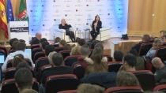 Manuela Carmena y Pepa Bueno participan en una charla en la UAM