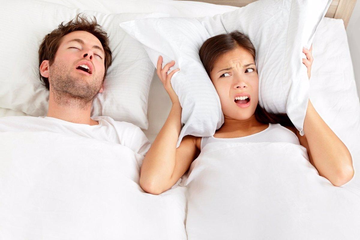 Por qué roncan más los hombres que las mujeres?