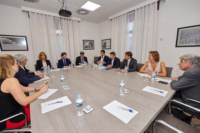 Reunión entre Alonso y los empresarios