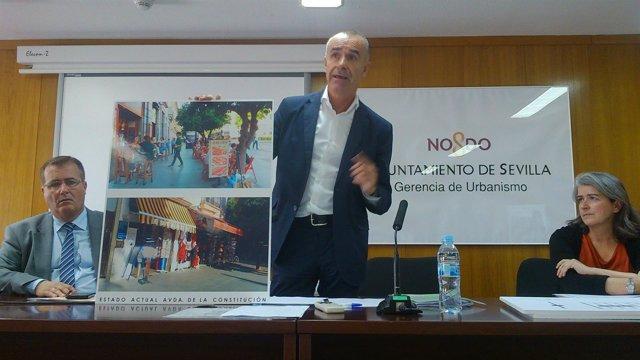 Muñoz anuncia la reducción del número de veladores.
