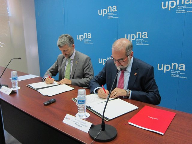 Firma del convenio para el proyecto de Universidad Saludable