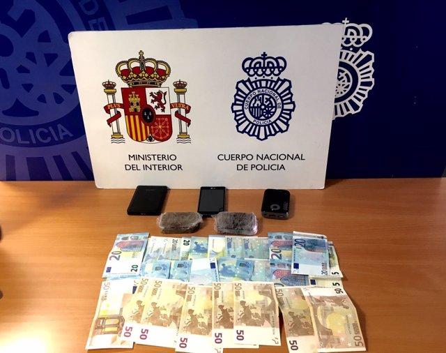 Elementos incautados al detenido en Valladolid