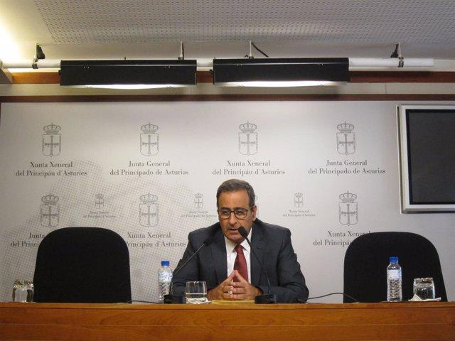 El portavoz del PSOE en la Junta, Fernando Lastra