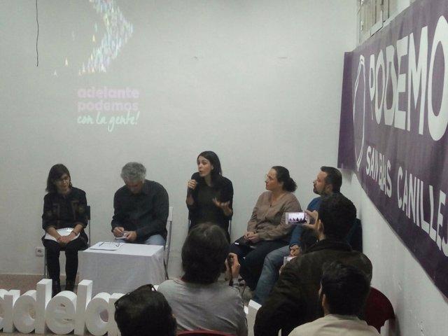 Rita Maestre durante el acto de esta tarde con miembros de otros dos grupos