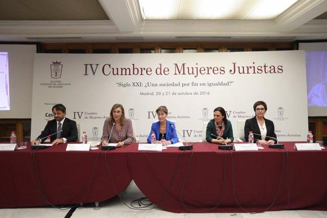 Clausura Y Manifiesto IV Cumbre Mujeres Juristas.