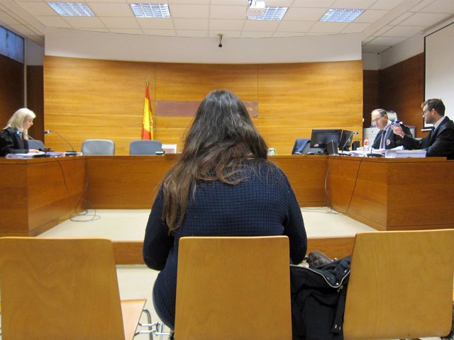La acusada, durante el juicio en el Juzgado de lo Penal.