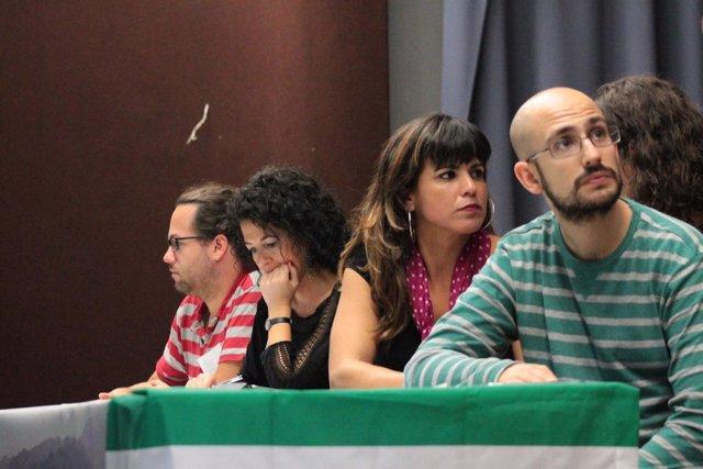 Reunión de Por una marea andaluza en Sevilla, con Teresa Rodríguez