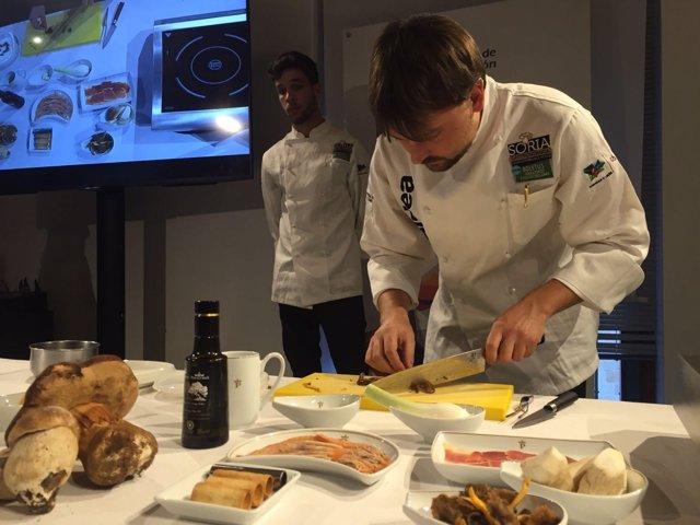 Carlos Aldea, jefe de cocina del Parador de Turismo Antonio Machado de Soria