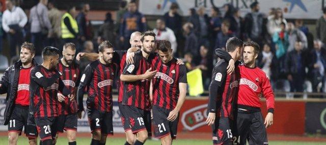 El Reus se coloca segundo en Segunda División