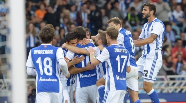 La Real Sociedad celebra un gol en Anoeta