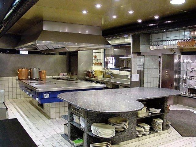La cocina del chef Santi Santamaría en Universo Santi en Jerez