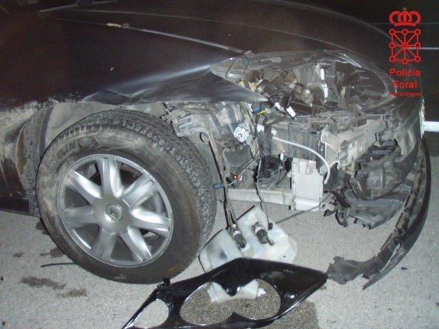 Estado de un vehículo tras atropellar a un jabalí