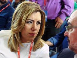 """Susana Díaz vota por la abstención y apela a la """"unidad"""" del PSOE"""