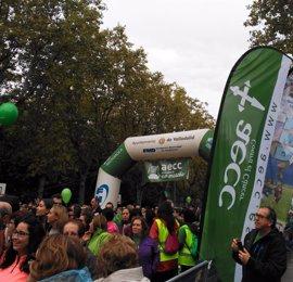 Cerca de 35.000 participantes se dan cita en Valladolid en la V Marcha Contra el Cáncer
