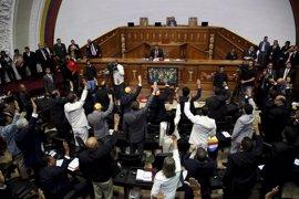 """La oposición venezolana impulsa un """"juicio político"""" contra Maduro"""
