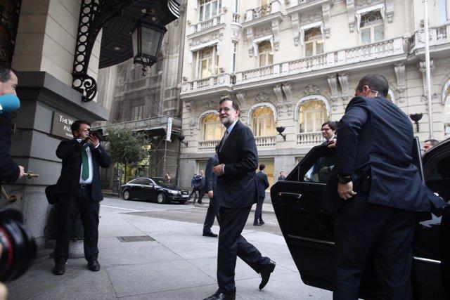 Mariano Rajoy a su llegada a un desayuno informativo