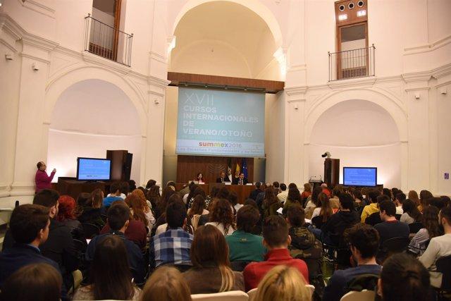 ASAMBLEA DE EXTREMADURA. Un Curso De La Uex Analiza En La Asamblea De Extremadur