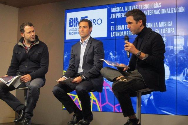 Alfonso Santiago, Imanol Pradales y Christophe Cassan