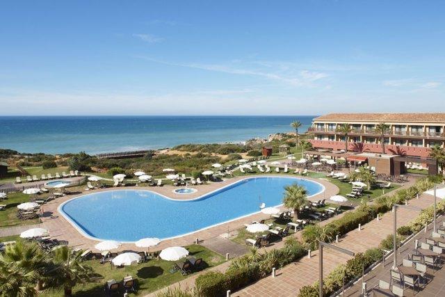 Vista del hotel confortel Calas Conil, en Conil, Cádiz
