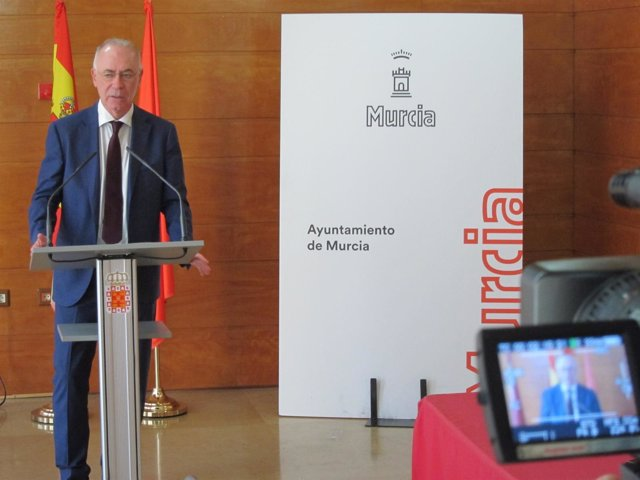 El concejal Antonio Navarro, en la presentación del evento