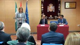 Báñez firma un protocolo para que la ITI Empleo, con 310 millones, se coordine desde Cádiz