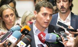 Rivera señala que C's marcará la hoja de ruta del próximo Gobierno porque el PSOE no ha condicionado su abstención